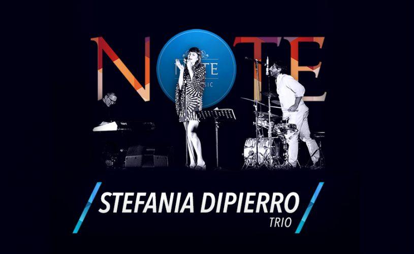"""Stefania Dipierro in TRIO: una cornice super """"Natural"""" al Palace Cafè"""